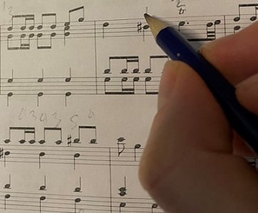 Finding and Choosing Piano Fingering