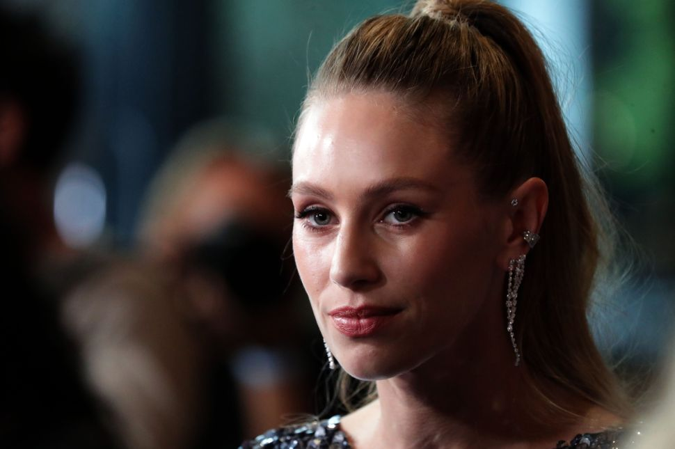 Dylan Penn Needs to Flip the Tables and Direct Her Dad Sean Penn After Making 'Flag Day'